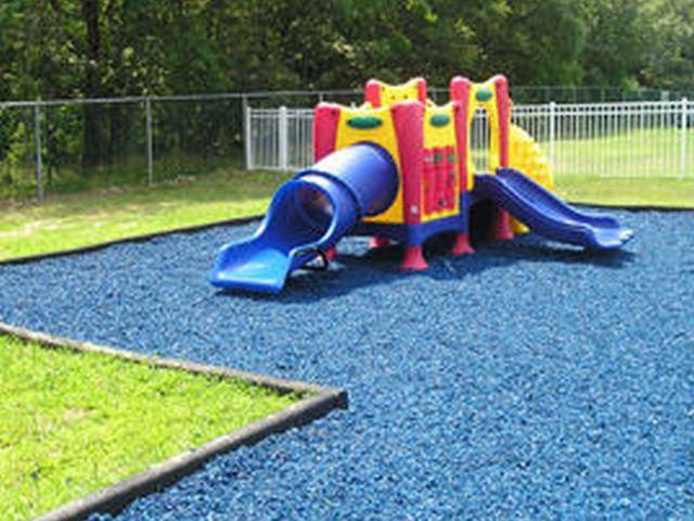 Vaikų žaidimų aikštelių danga - Guminis mulčas